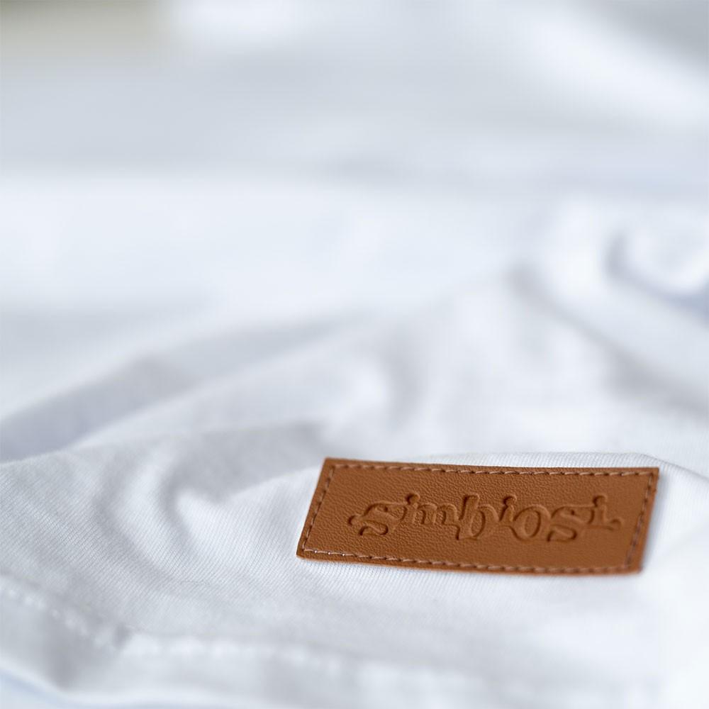 t-shirt bolso minimal branco