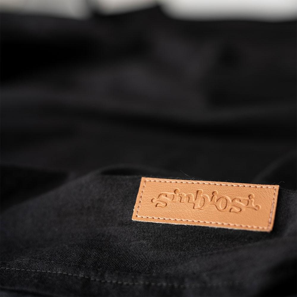 t-shirt bolso minimal preto
